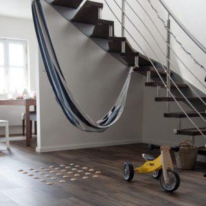 DOTS active - štýlová barefoot podlaha v hale pre zdravé chodidlá