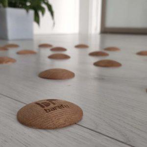 DOTS active - štýlová barefoot podlaha v obývačke pre zdravé chodidlá