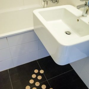 DOTS static - stylish barefoot floor in the bathroom for healthy feet