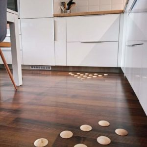 DOTS static - stylish barefoot floor in the kitchen for healthy fee