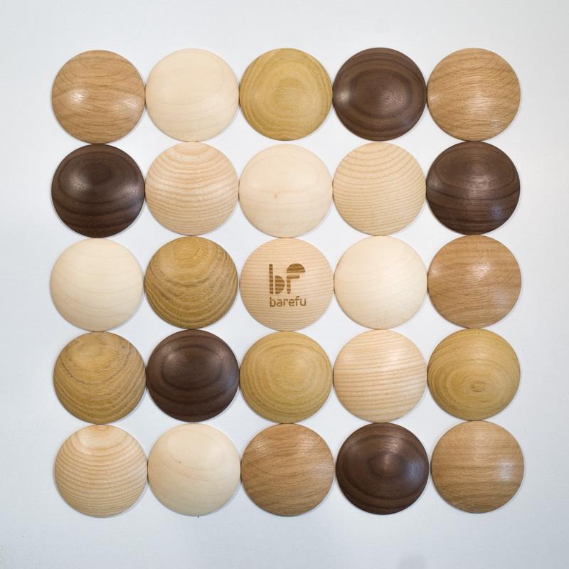 DOTS mix drevín - štýlová barefoot podlaha pre zdravé chodidlá